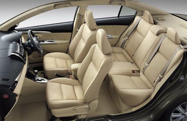 Đánh giá xe Toyota Vios 2016 có nội thất bọc da ở phiên bản G và J.