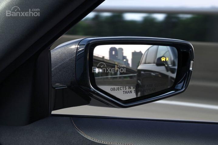 Đánh giá xe Cadillac CTS 2016: Gương chiếu hậu tích hợp LED.