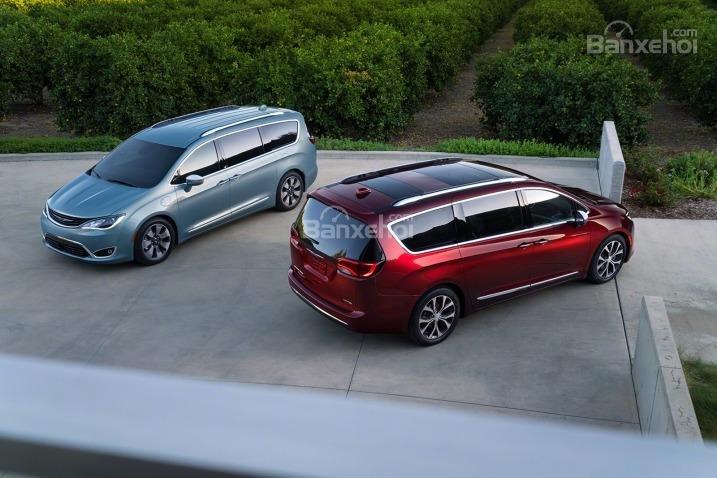 Đánh giá xe Chrysler Pacifica 2017: Sở hữu tất cả thế mạnh của một mẫu minivan truyền thống.