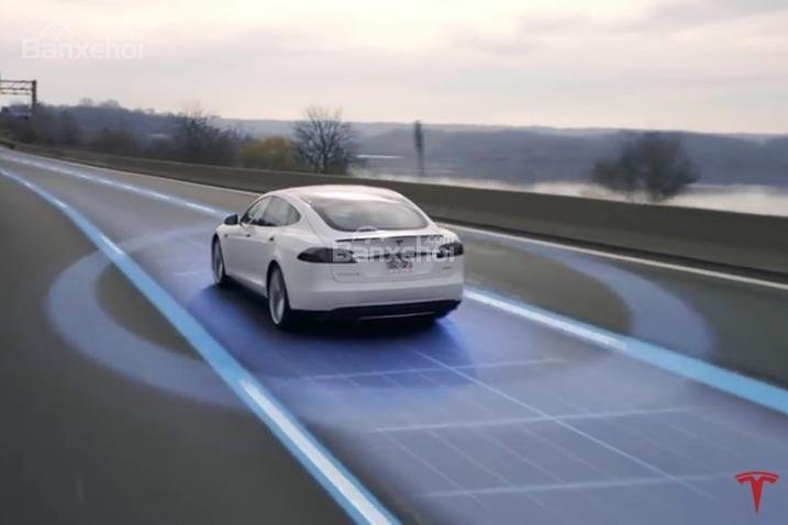 Đánh giá xe Tesla Model S 2016: Các tính năng an toàn hiện đại bậc nhất.