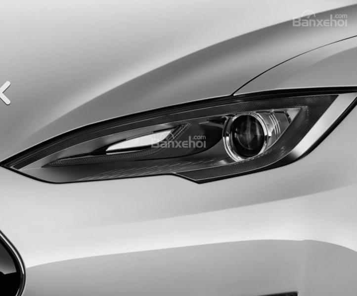 Đánh giá xe Tesla Model S 2016: Đèn pha tích hợp LED.