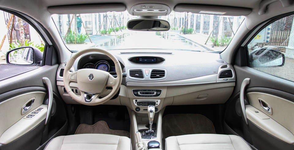Đánh giá xe Renault Megane 2015 có hệ thống giải trí, tiện ích phong phú.