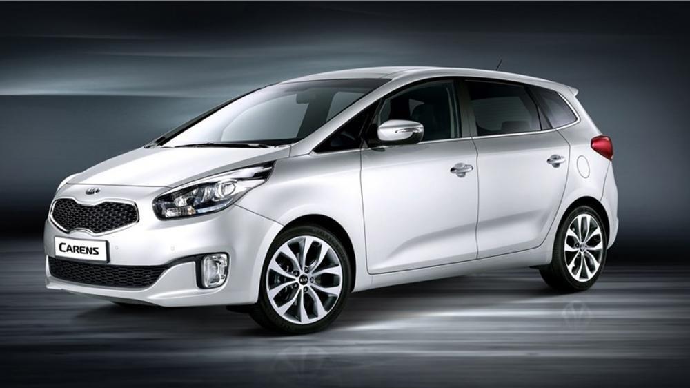 So sánh xe Kia Carens với Toyota Innova 1