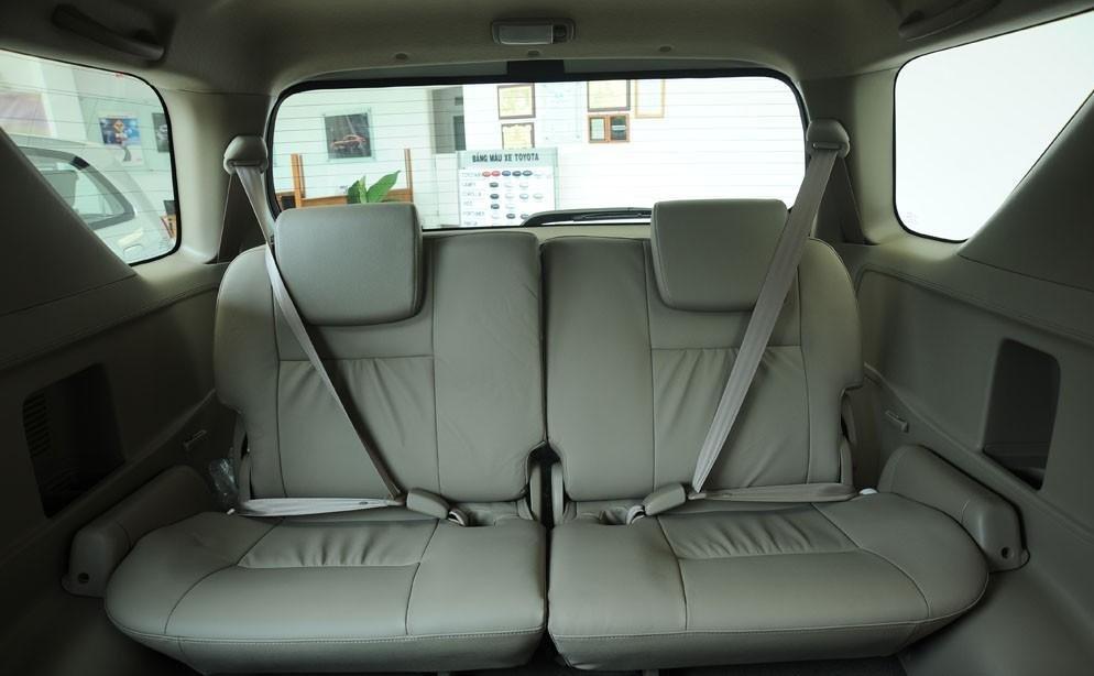 So sánh xe Hyundai SantaFe và Toyota Fortuner 19