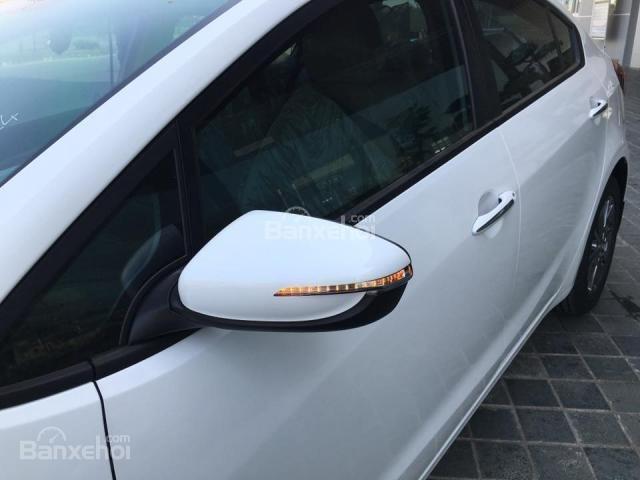 Đánh giá xe Kia Cerato 2016 có gương chiếu hậu chỉnh/gập điện.