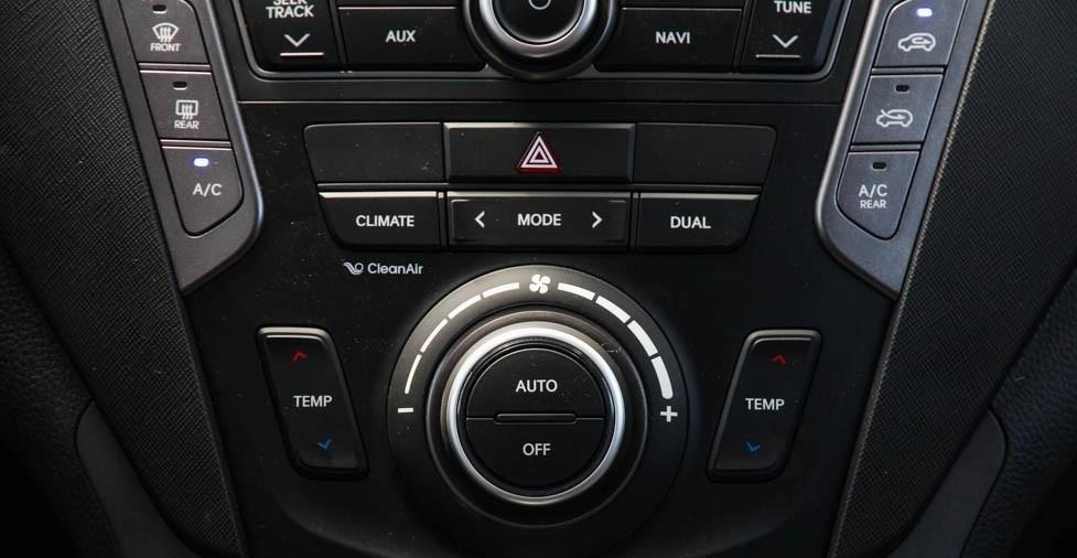 So sánh xe Hyundai SantaFe và Toyota Fortuner 21
