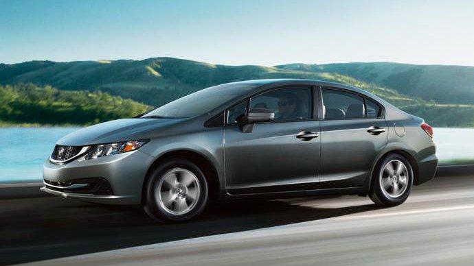 """So sánh xe Ford Focus và Honda Civic: Lão làng """"kình"""" nhau 1"""