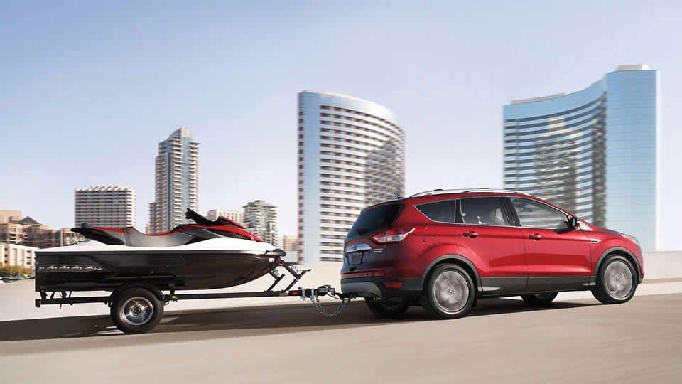 Đánh giá xe Ford Escape 2016 có thể kéo/chở đồ một cách dễ dàng.
