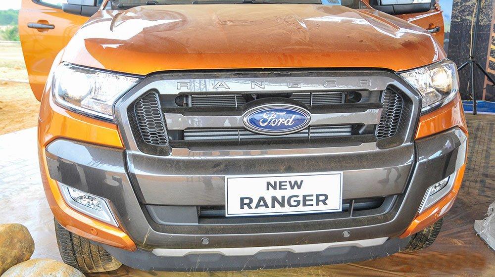 Đánh giá xe Ford Ranger Wildtrak 2015 có hệ thống tản nhiệt thiết kế phá cách độc đáo.