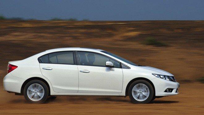 So sánh khả năng vận hành của xe Honda Civic và Kia K3 3