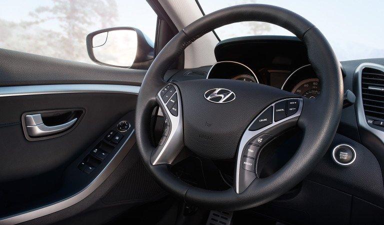 So sánh xe Chevrolet Cruze và Hyundai Elantra về thiết kế  2