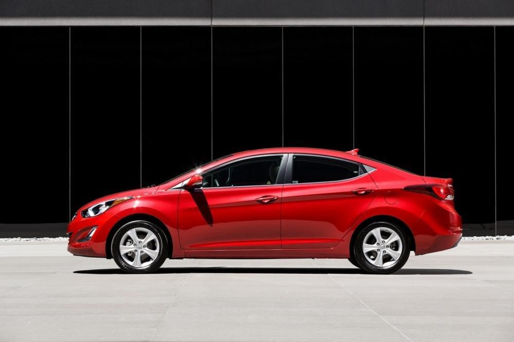 So sánh xe Chevrolet Cruze và Hyundai Elantra về thân xe 2