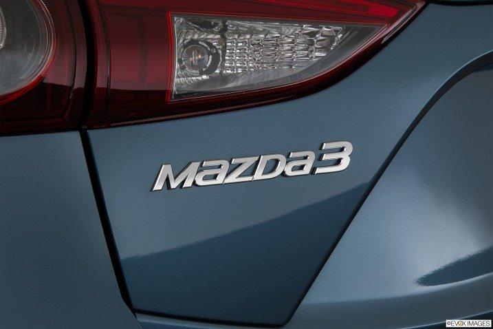 So sánh Hyundai Elantra 2016 và Mazda 3 2015 16