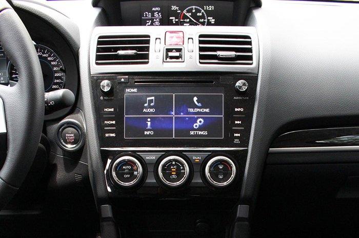 Đánh giá xe Subaru Forester 2016 có màn hình giải trí 7 inch.