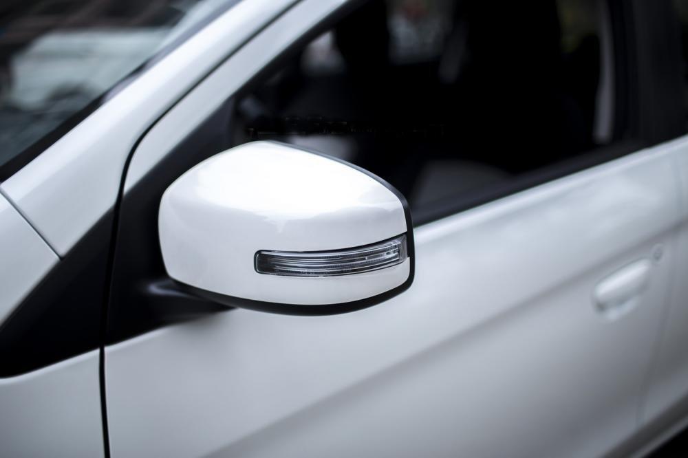 Đánh giá xe Mitsubishi Mirage 2016 có gương chiếu hậu tích hợp LED báo rẽ