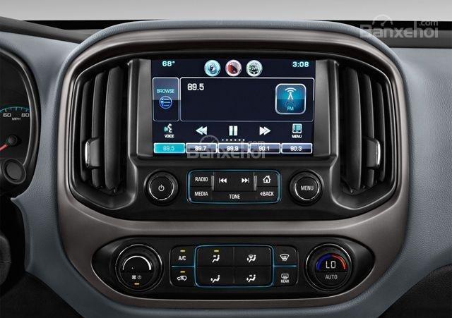 Đánh giá xe Chevrolet Colorado 2016: Nhiều công nghệ giải trí để tích hợp.