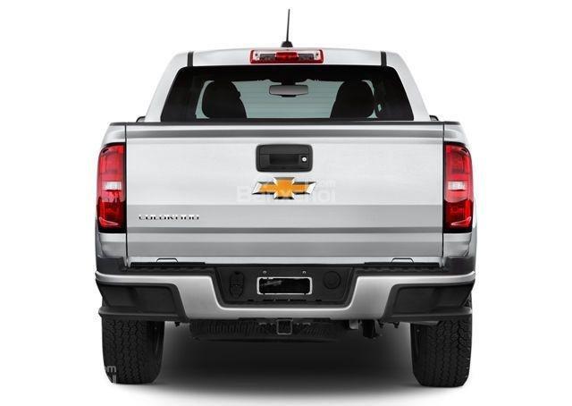 Đánh giá xe Chevrolet Colorado 2016: Đuôi xe phía sau.