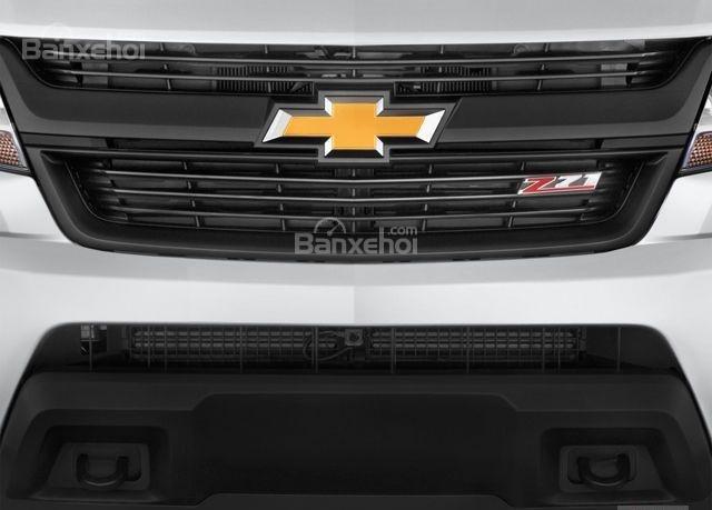 Đánh giá xe Chevrolet Colorado 2016: Lưới tản nhiệt đặc trưng.