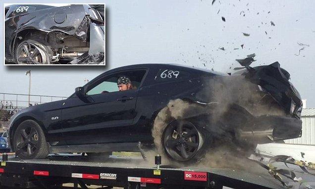 """Rơi ổ gà là thứ sẽ """"giết"""" chết lốp xe ô tô ngay lập tức."""