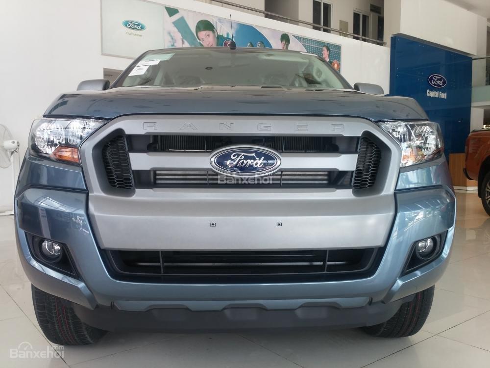 Bán Ford Ranger XLS 2.2 4x2 đời 2017, màu xanh, nhập khẩu chính hãng, 649 triệu (7)