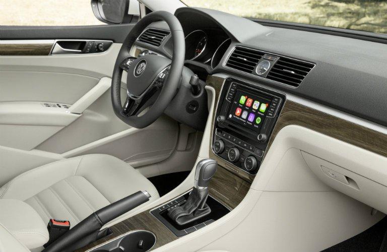 So sánh xe Toyota Camry và Volkswagen Passat: Hai thái cực đối lập trong phân khúc sedan hạng D 12