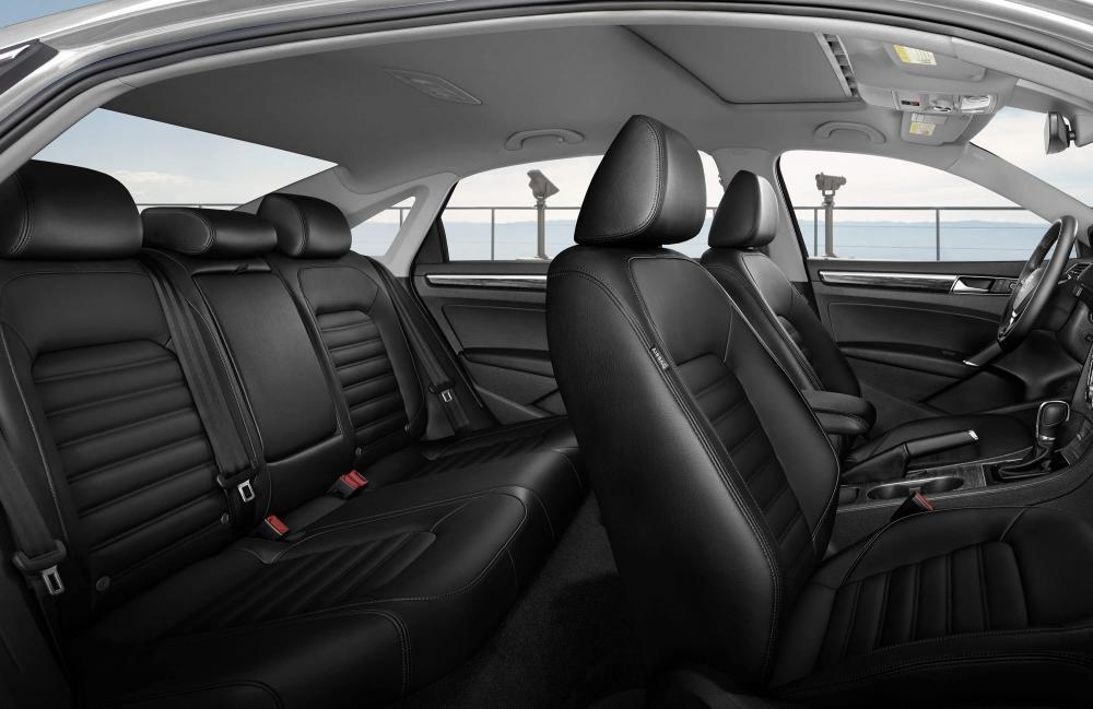 So sánh xe Toyota Camry và Volkswagen Passat: Hai thái cực đối lập trong phân khúc sedan hạng D 11