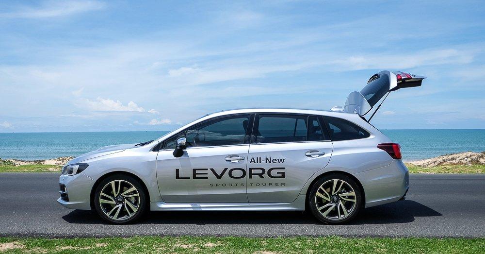 Đánh giá xe Subaru Levorg có thân xe thể thao.