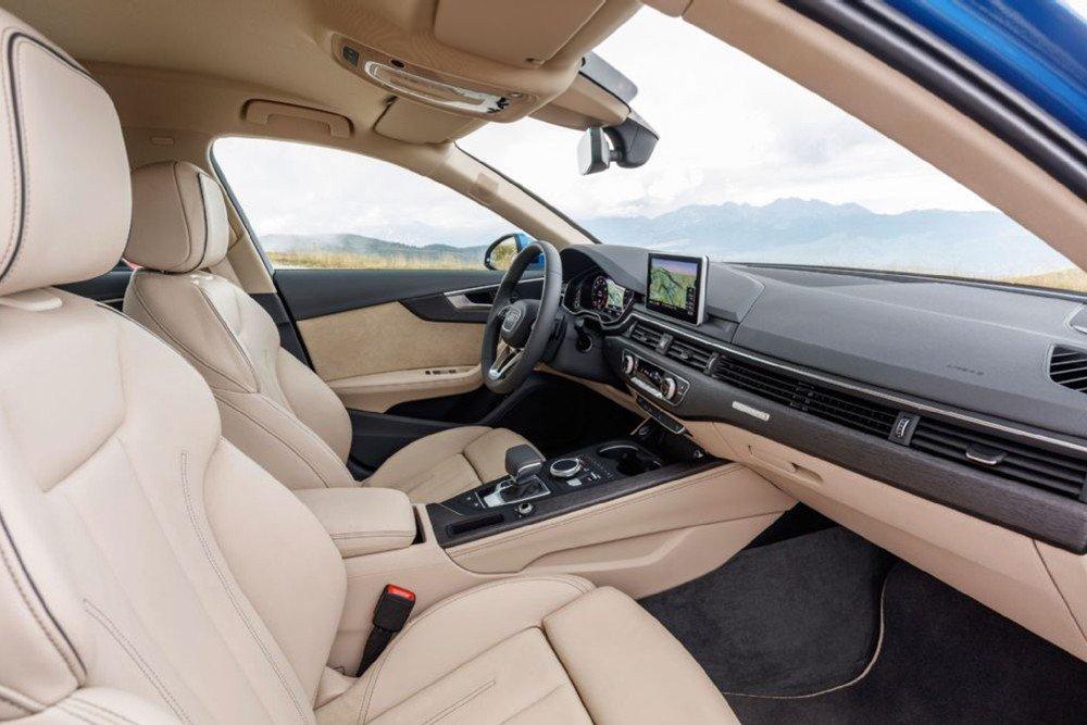 So sánh xe Audi A4 2016 và Mercedes-Benz C200 2015: Ghế ngồi của Audi A4 được thiết kế mới.