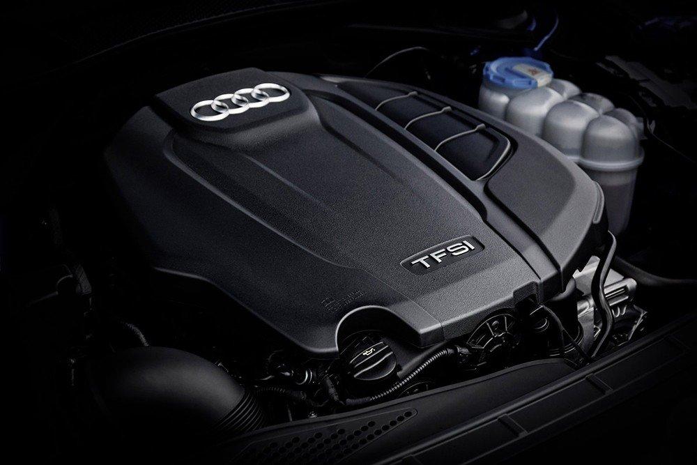 So sánh xe Audi A4 2016 và Mercedes-Benz C200 2015: A4 2016 sử dụng động cơ xăng 2.0L TFSI đi kèm với hộp số 7 cấp S-tronic.