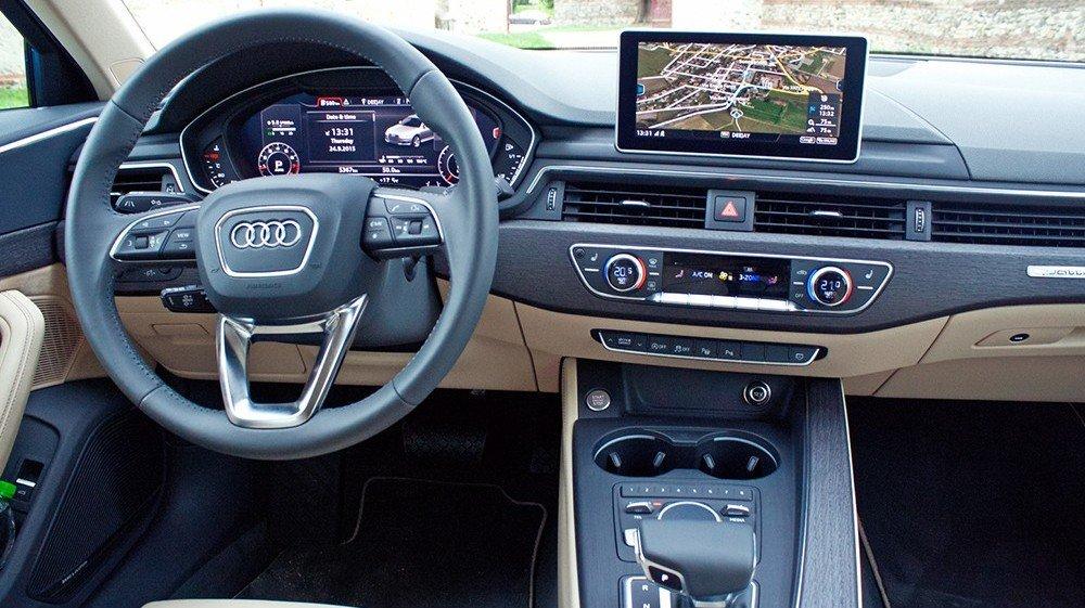 So sánh xe Audi A4 2016 và Mercedes-Benz C200 2016 .