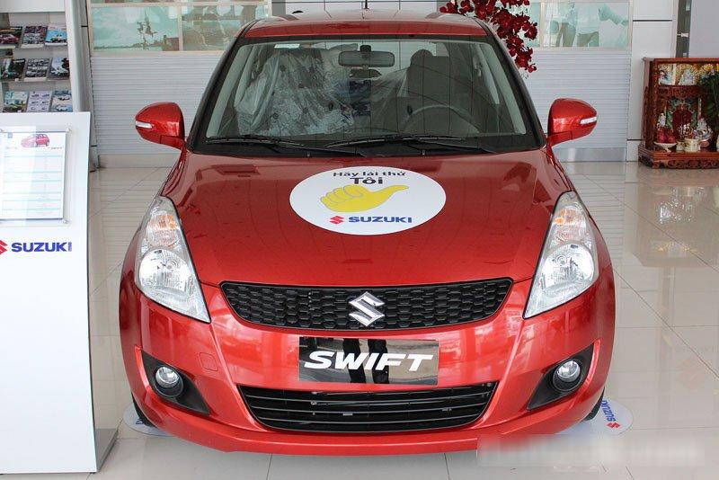 Đánh giá xe Suzuki Swift 2014 có phần đầu thiết kế trẻ trung, đơn giản.