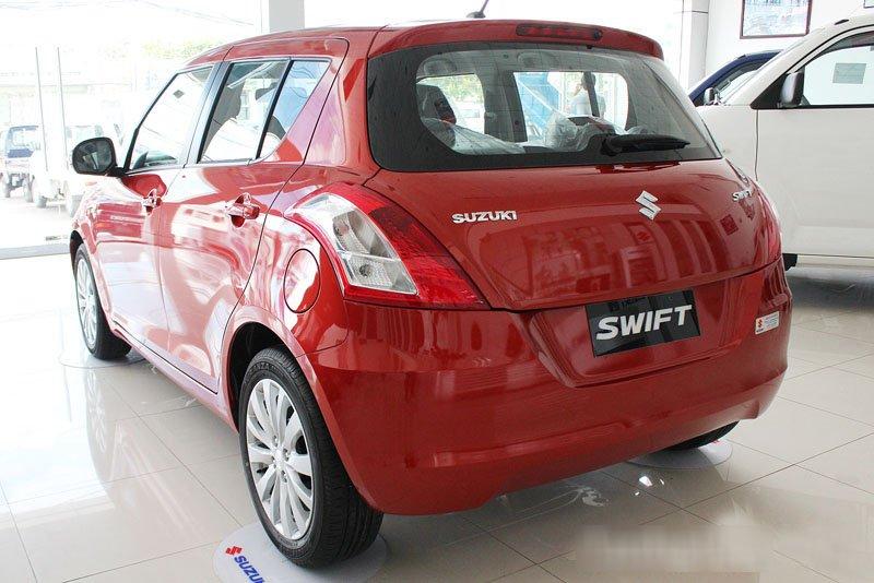 Đánh giá xe Suzuki Swift 2014 có đuôi xe gợi cảm.