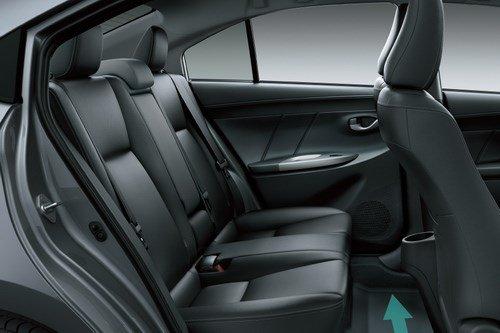 So sánh xe Toyota Vios Chevrolet Cruze 16