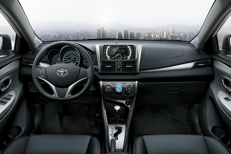 So sánh xe Toyota Vios Chevrolet Cruze 11