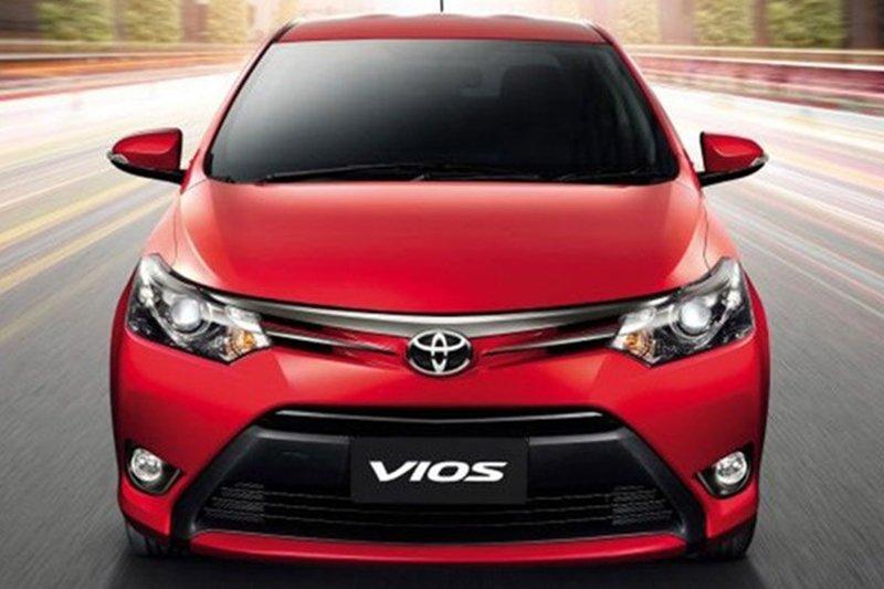So sánh xe Toyota Vios Chevrolet Cruze 3