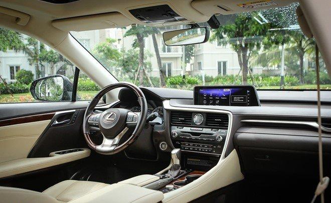 """Đánh giá xe Lexus RX350 2016: Bảng Tablo được tái thiết kế toàn bộ, mang một """"tầm cao mới""""."""
