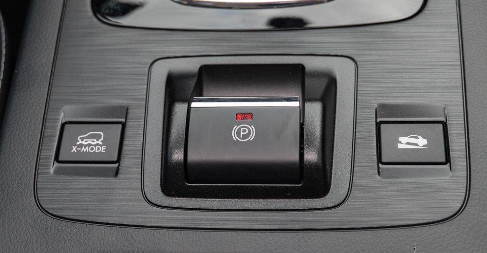 Đánh giá xe Subaru Outback 2016 có các chế độ lái hỗ trợ rất hữu ích.