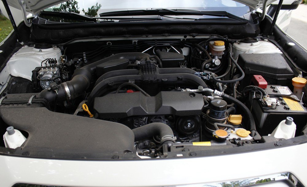Đánh giá xe Subaru Outback 2016 có động cơ Boxer 4 xi lanh 2.5L.