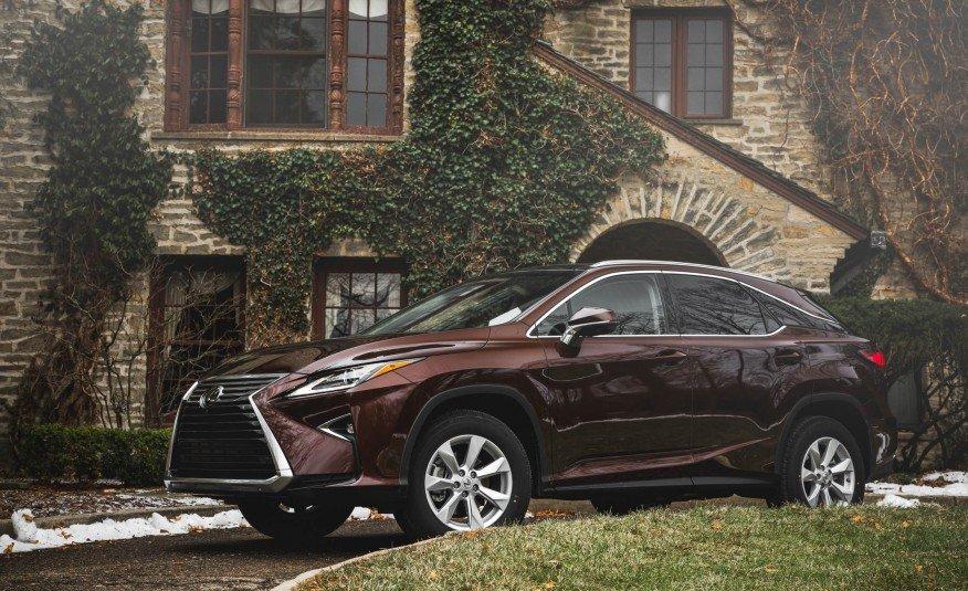 Lexus RX350 2016 chưa làm hài lòng một số người về khả năng cách âm.