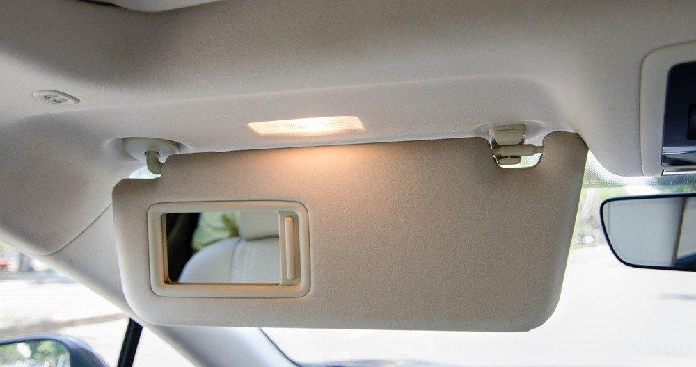 Lexus RX350 2016 có hệ thống đèn ở khắp nơi a.