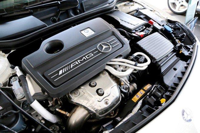 Đánh giá xe Mercedes-Benz A-Class 2014 có động cơ xăng tăng áp rất mạnh mẽ.