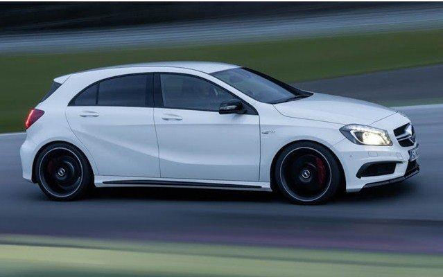 Đánh giá xe Mercedes-Benz A-Class 2014 có thân hơi dốc về phía trước trông rất thể thao.