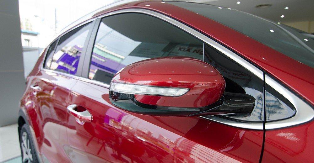 Đánh giá xe Kia Sportage 2017 có gương chiếu hậu bên ngoài tích hợp LED xi nhan.
