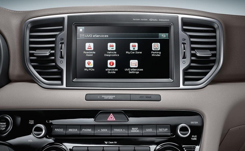Đánh giá xe Kia Sportage 2017 được trang bị màn hình cảm ứng 8 inch đa tiện ích.