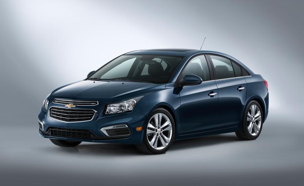 So sánh xe Chevrolet Cruze và Hyundai Elantra về thân xe 3