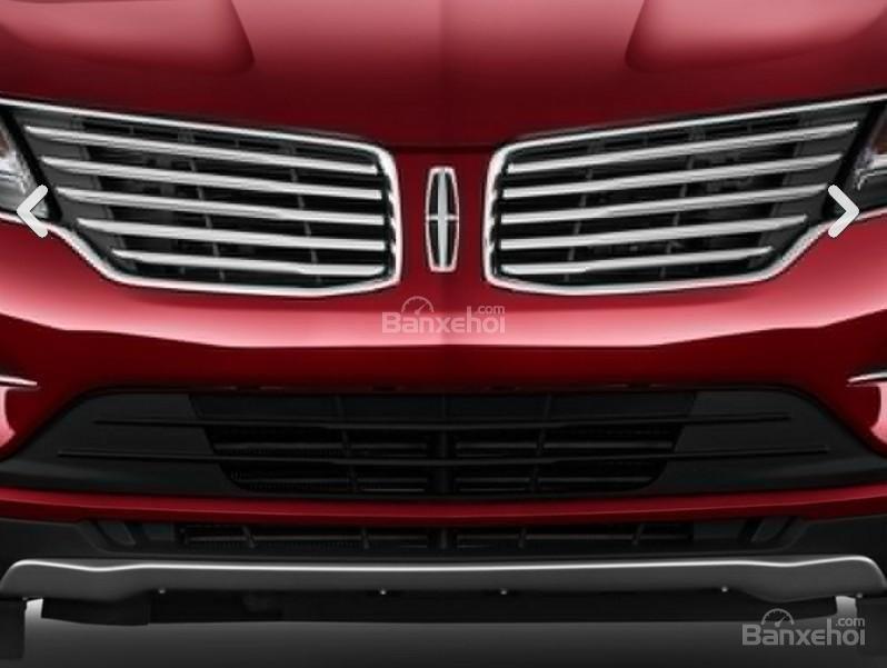 Đánh giá xe Lincoln MKC 2017: Lưới tản nhiệt dạng cánh.