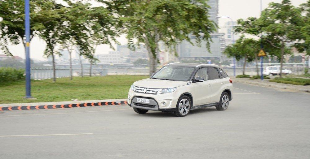 Suzuki Vitara 2015 có thiết kế trẻ trung, hiện đại cùng các trang thiết bị mang tính thực dụng cao.