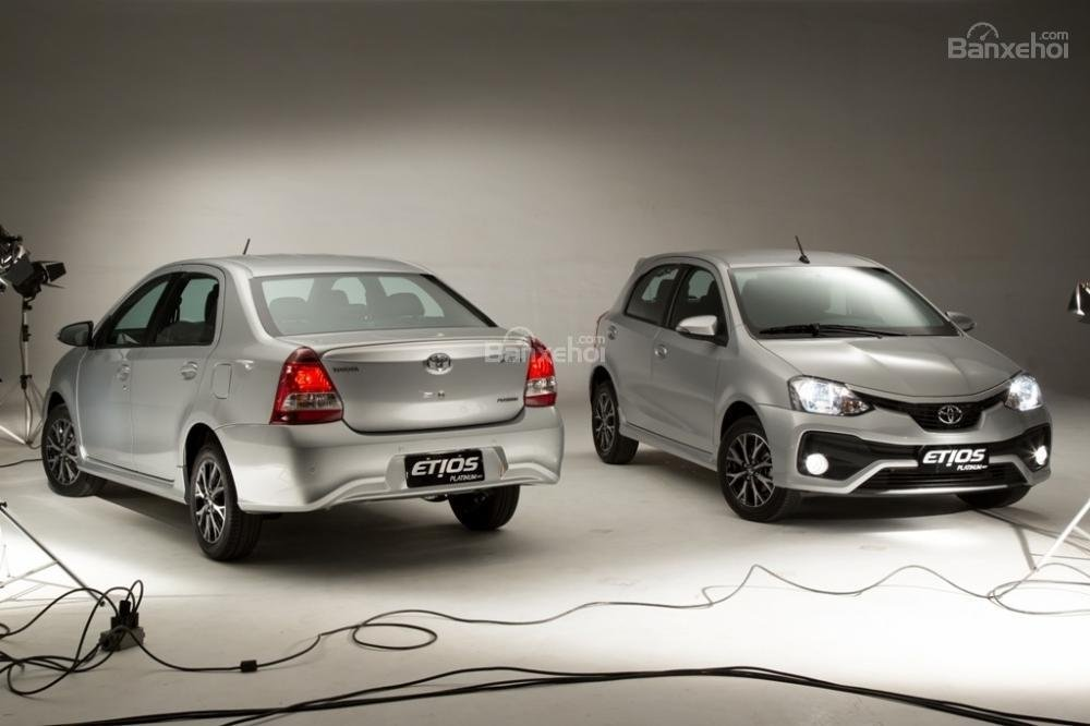 Toyota Etios và Liva facelift trình làng tại Brazil.