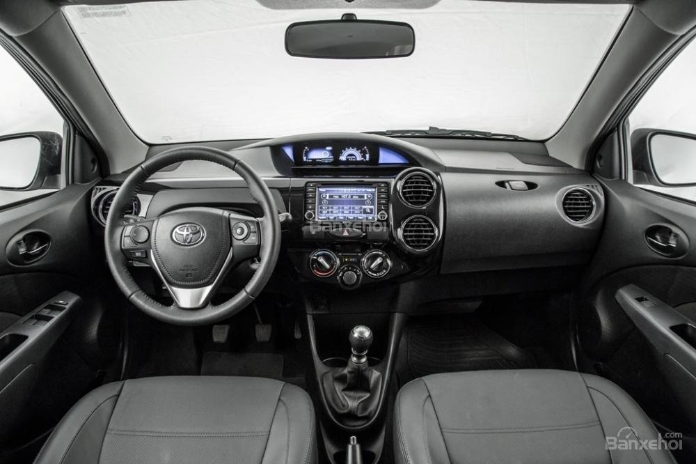 Toyota Etios và Liva facelift trình làng tại Brazil 5