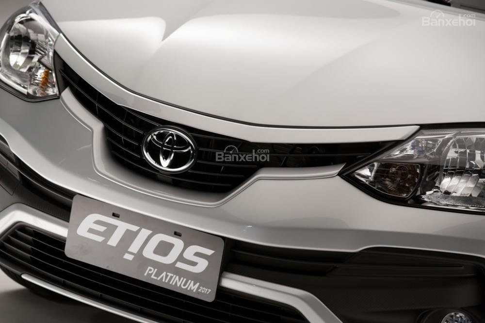 Toyota Etios và Liva facelift trình làng tại Brazil 1